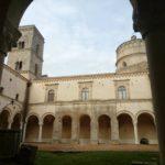 abbazia-di-montescaglioso-chiostro