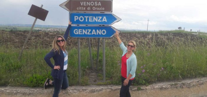 Michelle ed Elisa durante il loro tour genealogico in Basilicata