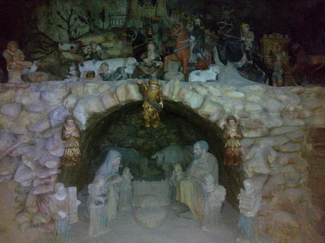 Nella foto, il presepe artistico di Altobello Persio ospitato nella Chiesa Madre Santa Maria Maggiore di Tursi