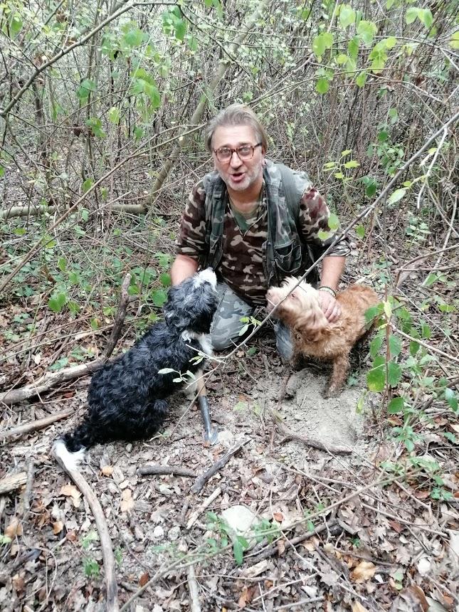 Il nostro amico tartufaio con i suoi cani da tartufo