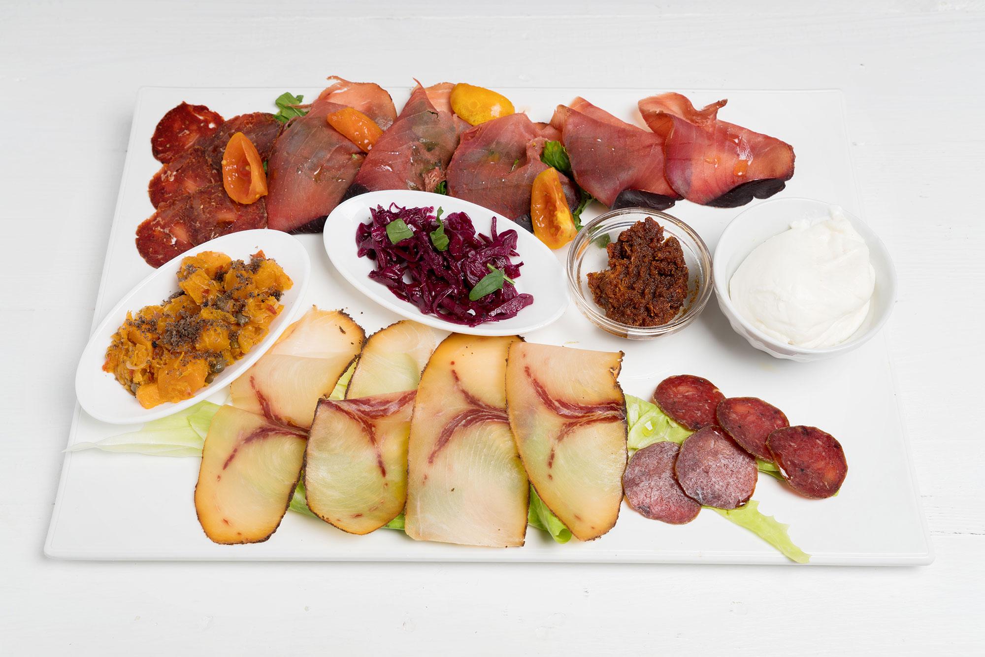 Alcuni dei deliziosi insaccati di pesce degustati presso l'Osteria Creativa a Matino